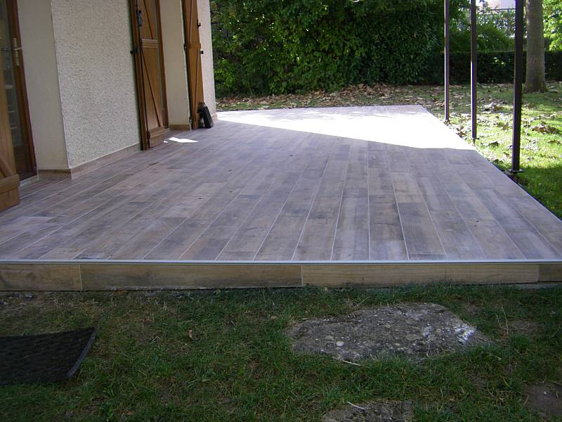 Fa ade de commerce batiment professionnel et profession for Poser carrelage terrasse dalle beton